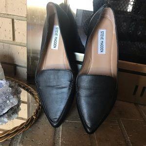 STEVE MADDEN SZ 6 floater black vegan leather
